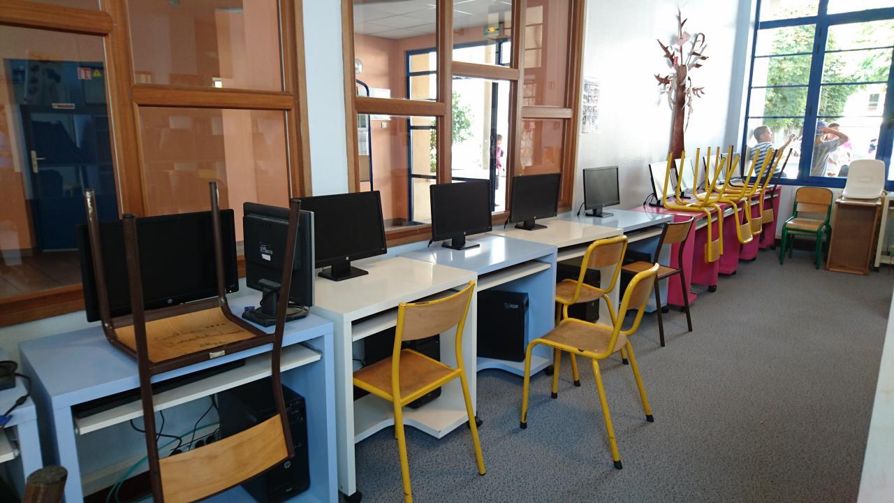 Bibliothèque - Espace numérique